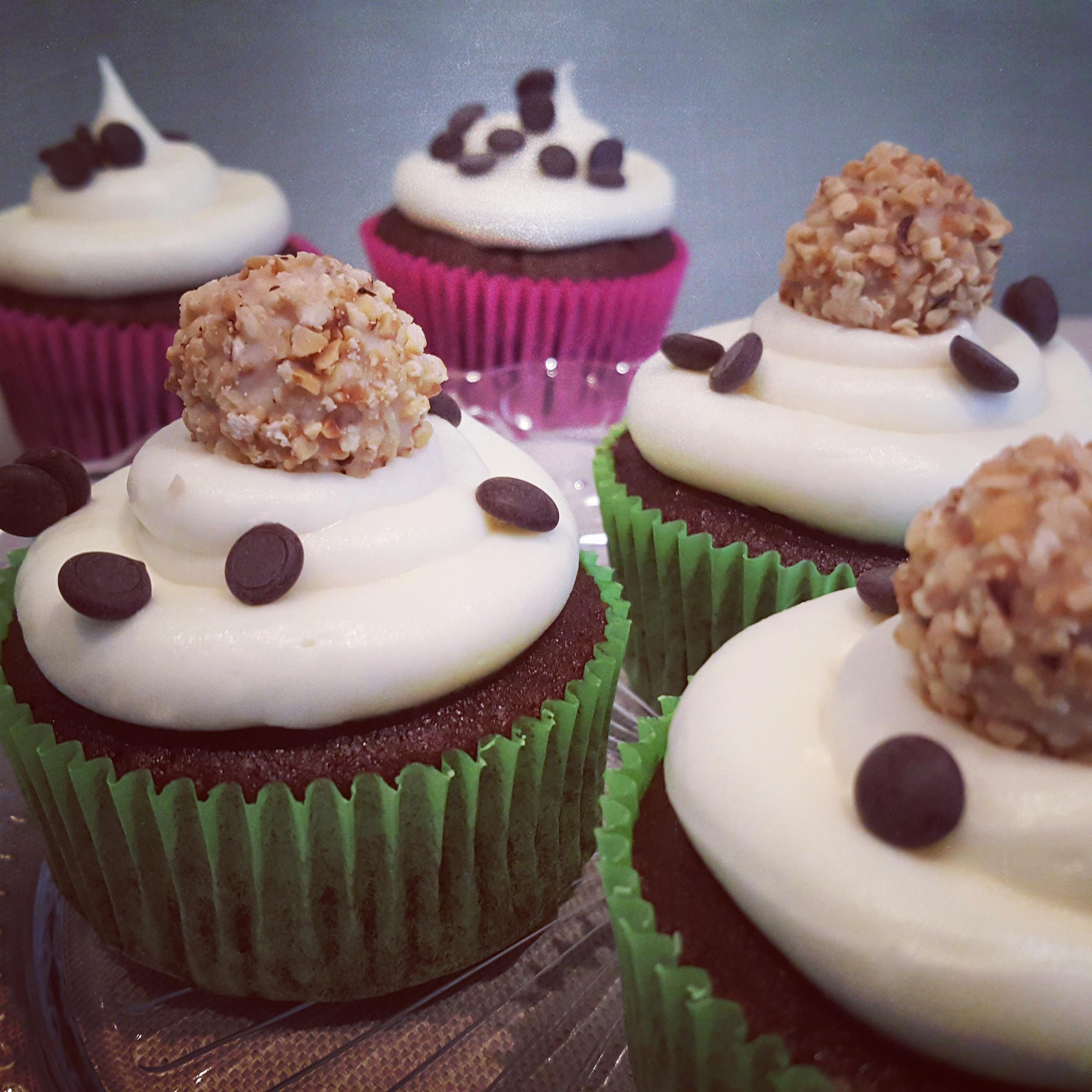 Schoko-Cupcake mit Vanilletopping